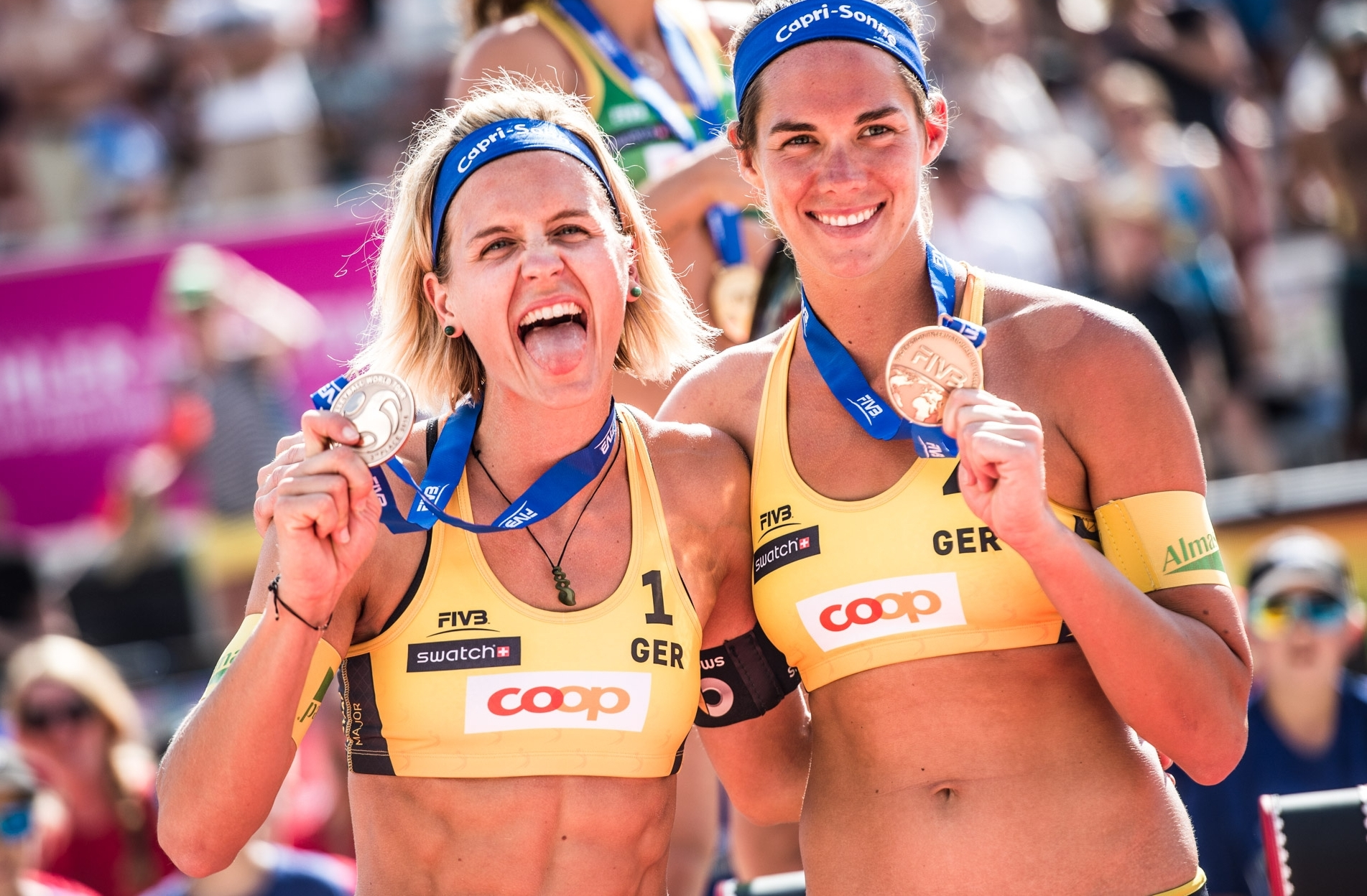 Laura (left) and Kira won Olympic gold but have one last prize to play for in Toronto. Photocredit: Mihai Stetcu