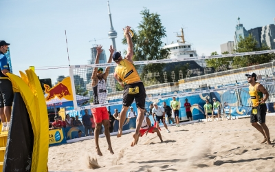 Trio advance straight to men's quarters
